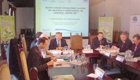 Alba: 120 de romi vor lucra in intreprinderi sociale de reciclare a materialelor de ambalaj
