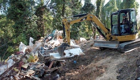 Cherecheş spune că decizia de demolare a aşezărilor ilegale ale ţiganilor nu e negociabilă