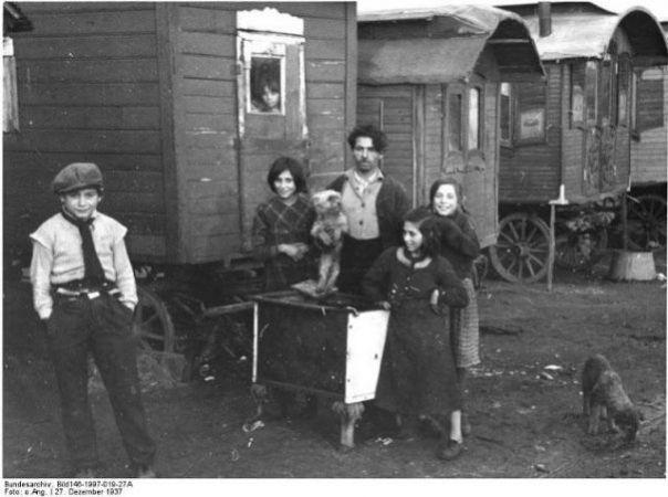 Imagini EXTRAORDINARE din arhivele GERMANE! Cum trăiau ROMII în Germania anilor '30