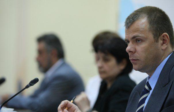 Poliţia Română este casa de avocatură a interlopilor şi maneliştilor violenţi?