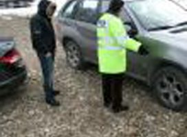 Traficanţi de maşini de lux furate din străinătate, trimişi în judecată pentru zeci de infracţiuni
