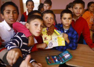 Profesorii romilor, plătiţi suplimentar