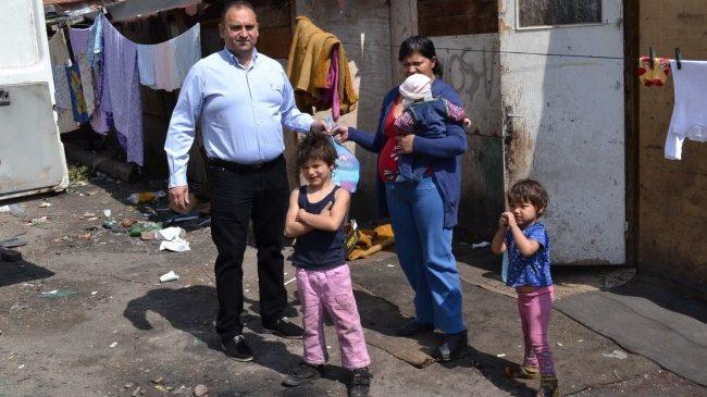 """Blocul """"Nato"""" ajutat de Ciore Roma"""