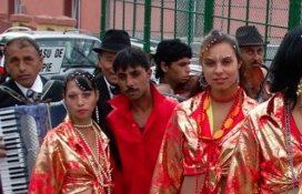 """Experimentul de două milioane de lei: Cu ce au fost """"mituiți"""" romii ca să intre în rândul lumii"""