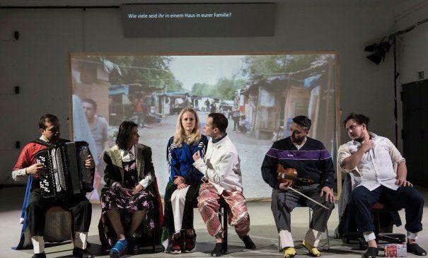 Cum sunt romii de azi. Spectacol – proiect realizat de trei teatre europene.