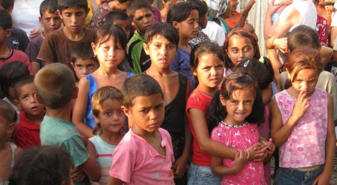 Copii rromi între margionalizare şi integrare: Rromii sunt receptati eronat, cu atat mai rau, cu cat realitatea pierde in fata imaginarului.
