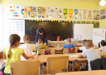 Foarte mulţi copii săraci rămân fără educaţie