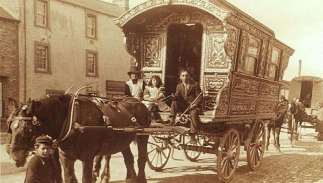 Cum au ajuns Ţările Române să aibă cea mai numeroasă populaţie romă din Europa. În Evul Mediu, moldovencele erau confundate cu ţigăncile