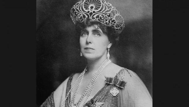 """Regina Maria, despre femeile rome: """"Nicio vrăjitoare din poveştile de zâne ale lui Andersen nu poate sta la întrecere cu aceste ciudate făpturi bătrâne"""""""