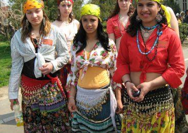 Cum suntem noi (ţiganii) romii