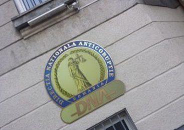 Direcţia Naţională Anticorupţie a trimis în judecată cinci inculpaţi