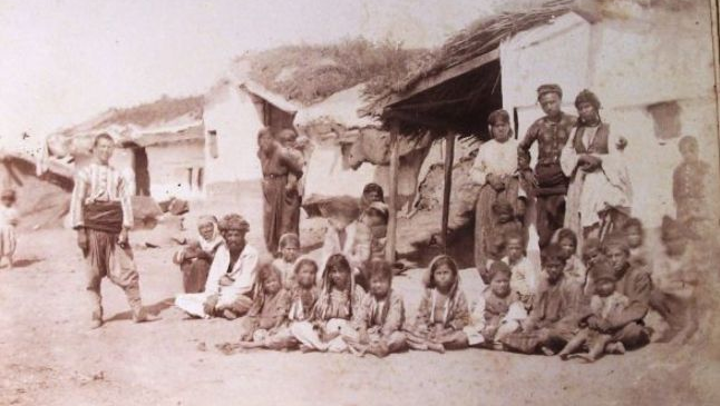 Un troc diabolic. Cum erau aleşi copiii de ţigani pentru a fi donaţi mănăstirilor în schimbul unui pomelnic