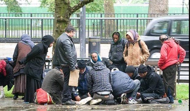 Romii din Sebeş, umiliţi de poliţie în Belgia