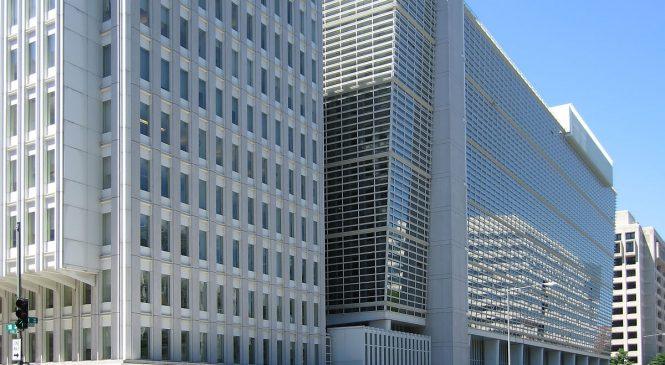 Banca Mondială: Creşterea economică a României nu a dus la reducerea sărăciei