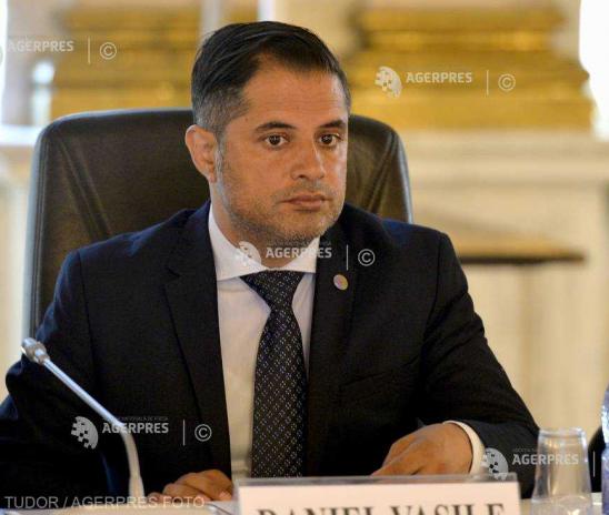 Daniel Vasile (minorităţi): 2 din 10 copii de etnie romă nu merg la şcoală; e nevoie de soluţii la inechităţile sociale
