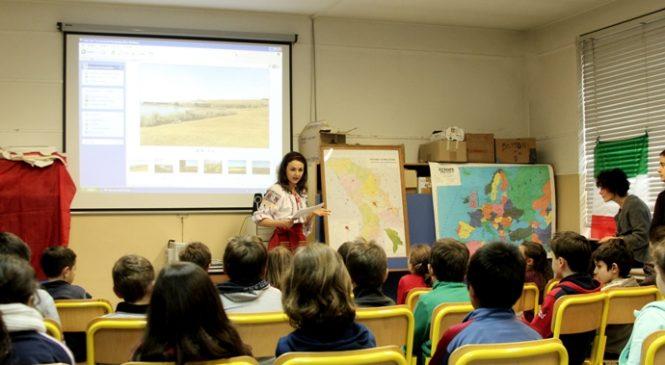 Incredibil! Ce învaţă românii din Italia la şcoală: Limba maghiară este limba oficială în România, iar ţiganii sunt discriminaţi!