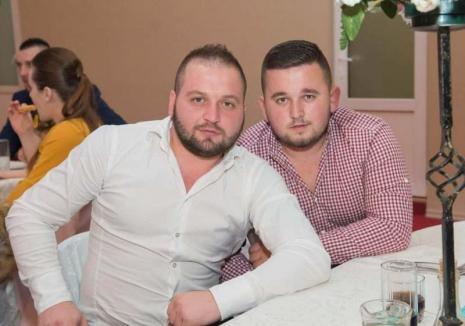"""""""Afumaţi"""" la Râpa: Protejaţi de poliţişti, doi fraţi i-au dus pe ţiganii din Tinca în pragul dependenţei de droguri"""