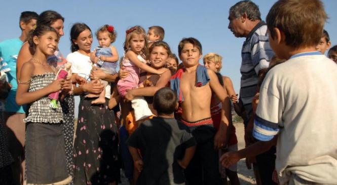 """Amnesty International: Romii se confruntă cu """"discriminare sistemică"""" în România"""