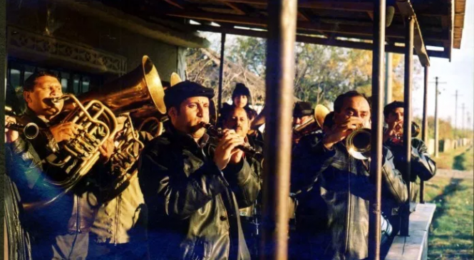 Măguri, satul muzicanţilor romi, fenomen cultural unic în ţară