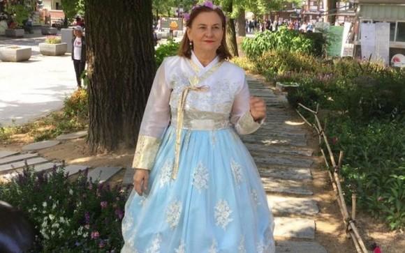 """Românii din Diaspora, întâmpinaţi de politicieni cu o colecţie de mesaje jignitoare: """"Spălători de funduri"""