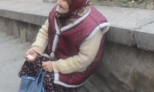 Cerşetori romi în Canada spun că sunt refugiaţi din Siria sau Bosnia, deşi au venit din România