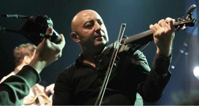 Libertatea de exprimare, energia şi sufletul sunt punctele forte ale artistului rom