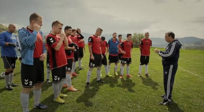 Fotbaliştii romi cu care nimeni nu vrea să joace