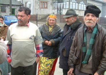 Primarii din localităţile cu romi critică dezinteresul autorităţilor şi al ONG-urilor faţă de integrarea acestora