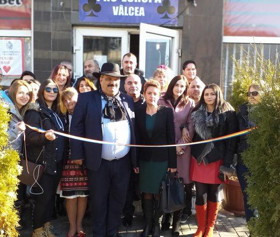 OFERIM UN PACHET PENTRU PERSOANELE NEVOIAŞE – proiect inaugurat de Partida Romilor la Râmnicu Vâlcea