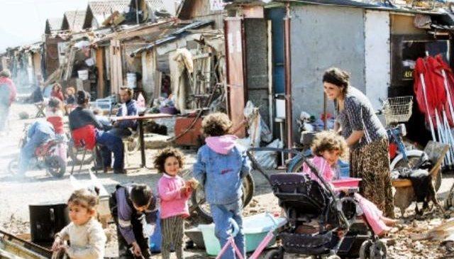 Romii săraci din Timişoara ar putea fi mutaţi în locuinţe sociale