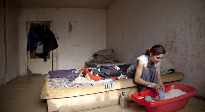 Artur Conka fotografiază romii săraci pe care i-a lăsat în urmă