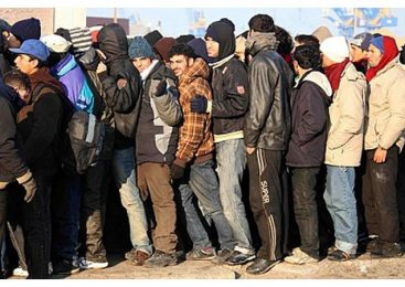 """Germania speriata de creşterea """"imigranţilor săraci"""""""