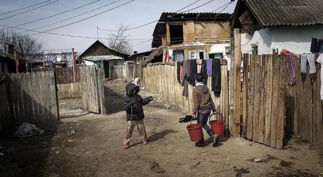 ONG-urile de romi sunt prea ocupate cu fondurile UE, ca să discute cu cei pe care-i reprezintă