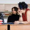 Profesoara romă din Bucureşti care-şi învaţă copiii cum să nu fie homofobi şi rasişti