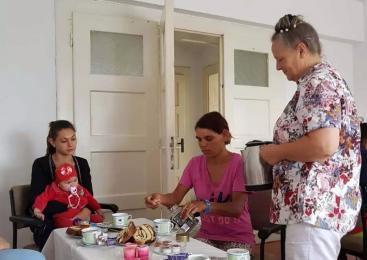 Un cetăţean german ajută familiile de etnie rom