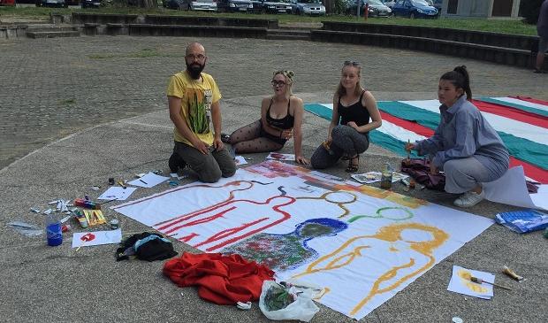 Voluntarii Nevo Parudimos, împotriva rasismului și discriminării
