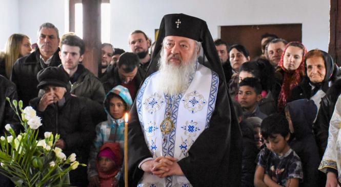 """Mitropolitul Clujului despre romi: """"Sunt frații noștri creștini. Vrem să-i vedem că prosperă spiritual și material"""""""
