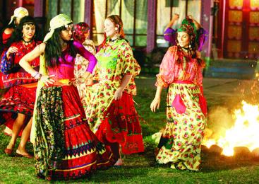 Portul traditional al minoritatii rome in pericol