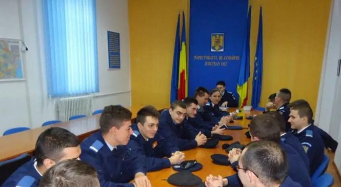Locuri pentru tinerii romi la Jandarmeria Română
