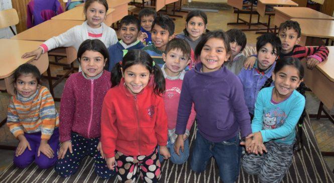 Iniţiativă legislativă prin care toţi copiii României ar putea beneficia de un pachet minimal de servicii