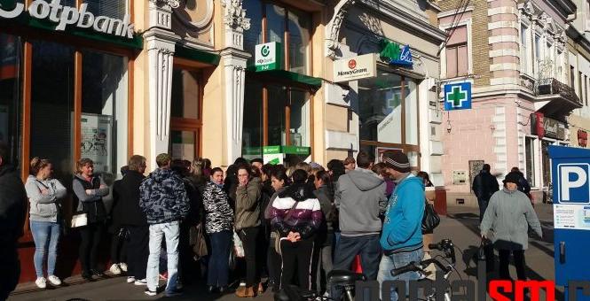 """Romii din Satu Mare se înghesuie la ,,burse"""" din Ungaria"""