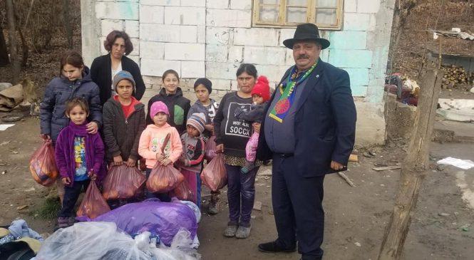 Partida  Romilor Valcea  în  Com  COPACENI   Cu Daruri  Pentru Copii Romi
