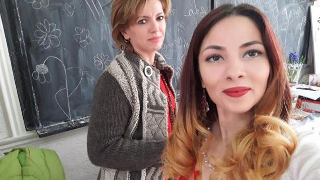 """Semiramida, tânăra de etnie romă care a învins prejudecăţile. """"Sunt pasionată de meseria de educator, iubesc copiii"""""""