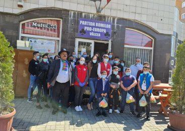 Acțiune la Partida Romilor Vâlcea astăzi 26.04.2021 SOS COPII ROMI, cursuri de prim ajutor, la care au paticipat CRUCEA ROSIE și SMURD Vâlcea. Au fost prezente 70 de persoane, copii și adulți. Reprezentanții Primăriei, DSP, Inspectoratul Școlar.