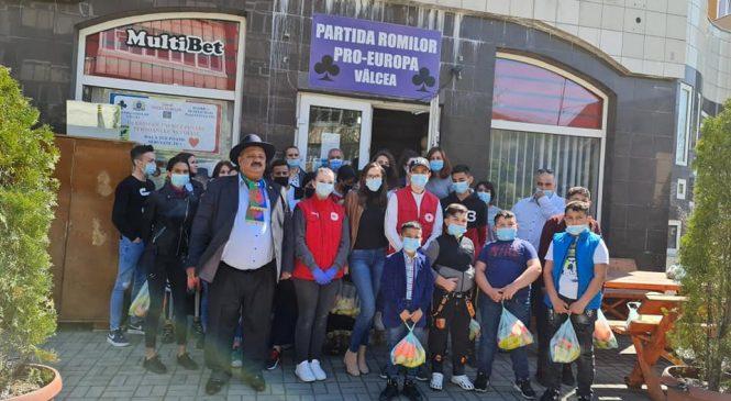 Acțiune la Partida Romilor Vâlcea astăzi 26.04.2021 SOS COPII ROMI, cursuri de prim ajutor, la care au paticipat CRUCEA ROSIE și SMURD