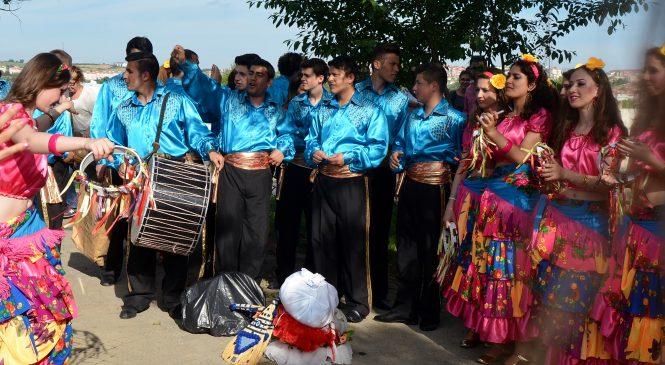 Romii bistrițeni au petrecut la Muzeu